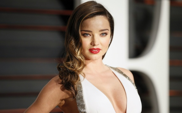 Miranda-Kerr-hot-and-sexy-red-lips-wallpapers.jpg
